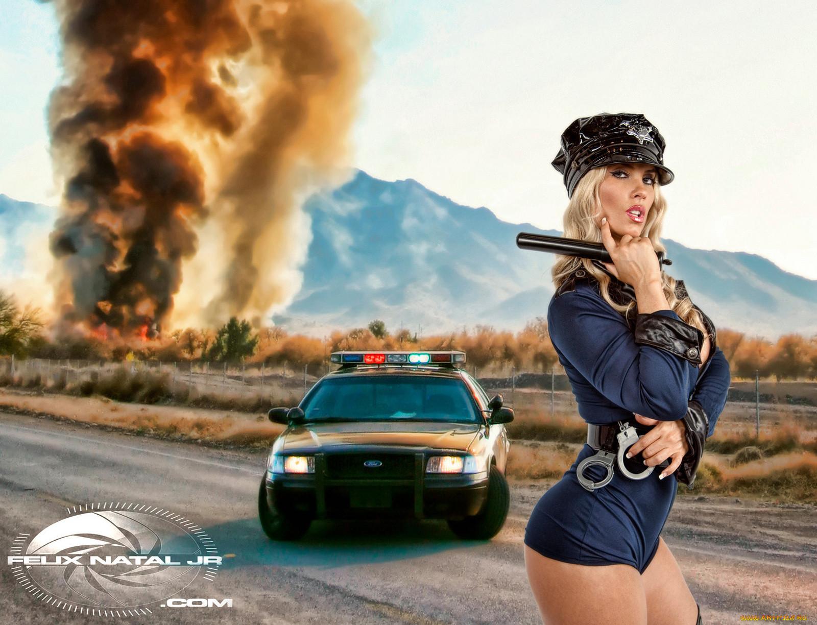 Фото блондинки в форме милицейской 14 фотография
